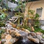 Hồ Cá Koi Tuyệt Đẹp Cho Khuôn Viên Sân Vườn Trong Phố