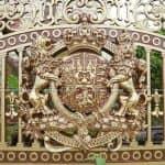 Mẫu Cổng Cùng Hàng Rào Nhôm Đúc Đẹp Cho Lâu Đài 2 Tầng Mái Thái Tại Bắc Ninh