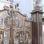 Mẫu Cổng Nhôm Đúc Cực Hót Cho Biệt Thự Lâu Đài