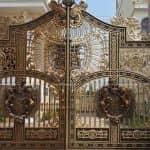 Mẫu Cổng Nhôm Đúc Đẹp Đẳng Cấp Cho Biệt Thự Tân Cổ Lâu Đài