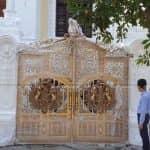 Mẫu Cổng Nhôm Đúc Đẹp Lung Linh Cho Biệt Thự Tân Cổ Lâu Đài