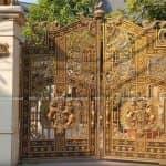 Mẫu Cổng Nhôm Đúc Đẹp Sang Chảnh Cho Biệt Thự Tân Cổ Điển